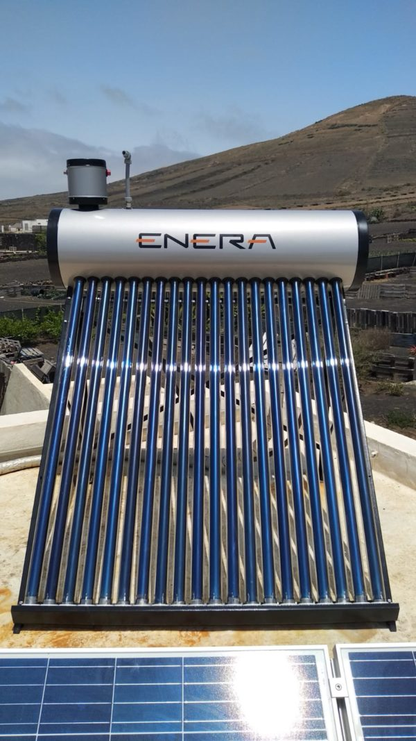 agua con energía solar